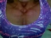 Kabelzug Muskeltitten durchficken