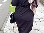 Voilee gros cul et gros sein qui bouge bien hijab
